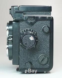 Yashica Mat 124G Medium Format TLR Camera UNTESTED Case Accessories